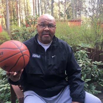 Michael Jordan on aikansa suurin urheilija - heti Muhammad Alin jälkeen, sanoo suomalaiskoripallolegenda Larry Pounds