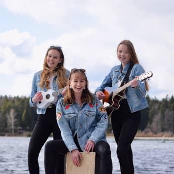 Laulava lukiolaistrio perusti yrityksen - vaikka keikkakevät on tauolla, tulossa on erilainen ulkoilmakonsertti