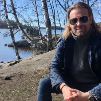 Poikkeuskevät toi Haulibros-laulaja Juri Lindemanille kotiläksyjä kun uuden levyn biisejä ei enää opikaan keikoilla