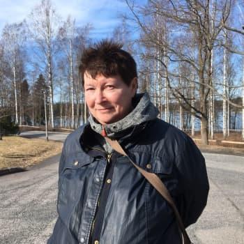 58-vuotias sairaalaklovni laittoi punaisen nenän naulaan ja ilmoittautui työttömäksi