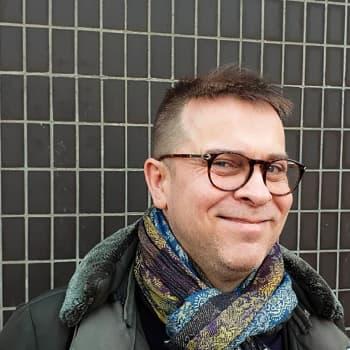 Kuusi kuvaa jazzmuusikko Jukka Perkon elämästä