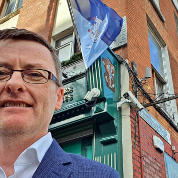 Terroristijärjestö inspiroi Irlannin suosituinta puoluetta
