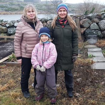 Kolmen sukupolven naiset elävät arkea Utön koulussa vuosi kerrallaan – Brita Willström jo vuodesta 1976