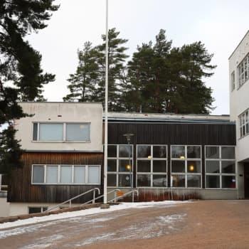 Aallon suunnitelemalle Tehtaanmäen koululle Kouvolassa mietitään jatkokäyttöä