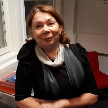 Viidellä vuosikymmenellä kauneushoitolaa pyörittänyt Eija Karjula tietää trendit kulmakarvoista