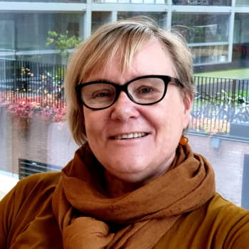 Kuusi kuvaa professori Kirsi Vainio-Korhosen elämästä
