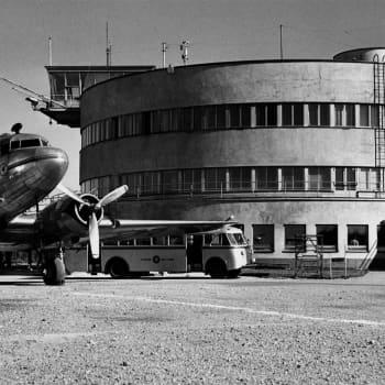 30 vuotta lentotoimintaa Malmilla. Martti Silvennoisen selostus vuodelta 1966