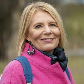 Heidi Köngäksen romaani Mirjami antaa äänen sodan jaloissa arkeaan eläneille naisille