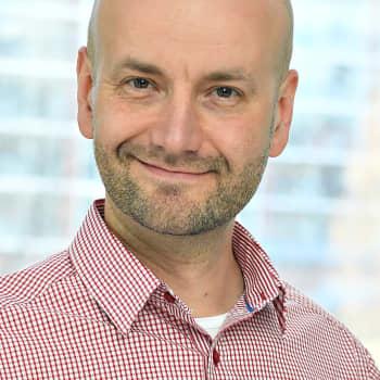Yle News Labin päällikkö Jukka Niva miettii millainen on tulevaisuuden yhteiskunnallinen todellisuus