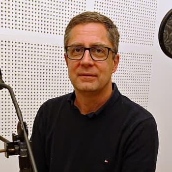 Sota on muutakin kuin pommituksia, sanoo Ylen ulkomaantoimittaja Antti Kuronen