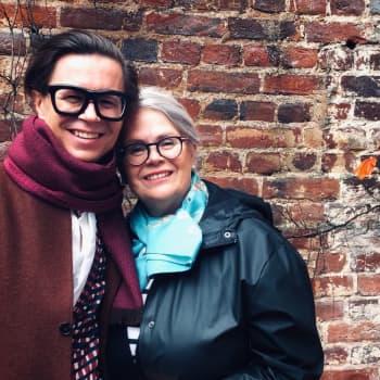 Modejournalisten Sami Sykkö lärde sig svenska genom att modigt prata på