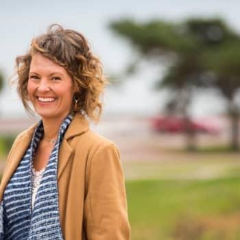 Kirjailija-luennoitsija Tara Lange: Oma asenne on ihmissuhteen ykköstyökalu