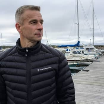 Meri näytti autiolta, kun pintapelastaja Esa Kujala ehti Estonian onnettomuuspaikalle