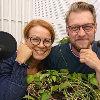 Elävä puu -sarjan tekijät Tiina Klemettilä ja Markku Sipi lumoutuivat sarjastaan