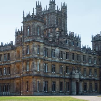 Har Downton Abbey fastnat i sin tid?