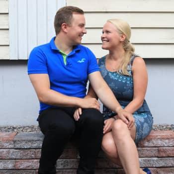 Nygifta Kari: Att gå med i Tinder var ett av mina bästa beslut