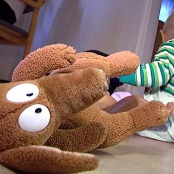 Lasten huostaanottojen määrän kasvu ennätyslukemiin johtuu ennaltaestävän työn ontumisesta