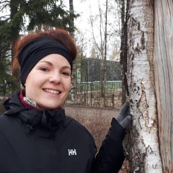 Metsäjoogassa avataan aistit luonnolle ja vapautetaan joogan avulla kehon sisäiset jumit