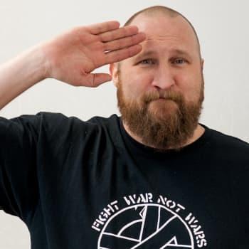 """Paleface: """"Markus Allan ei ole vain hieno romanilaulaja, vaan hieno suomalainen laulaja"""""""