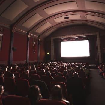 Elokuvafestivaali Espoo Cinén ohjelmistossa on oma sarjansa naisnäkökulmille ja sukupuoli- ja seksuaalivähemmistöille - miksi?
