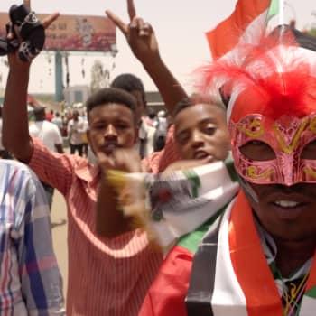 Voiko Sudanin vallankumous onnistua ja olla esimerkkinä muille?