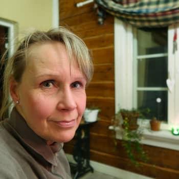 Kuusi kuvaa kriisikohteissa työskentelevän lääkäri Eila Rooselin elämästä