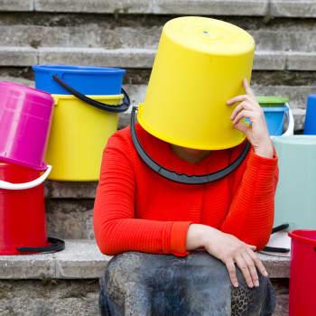Miten meistä tuli kansa, joka jonottaa muoviämpäreitä?