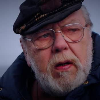 Kuusi kuvaa merenkulkija Pekka Pirin elämästä