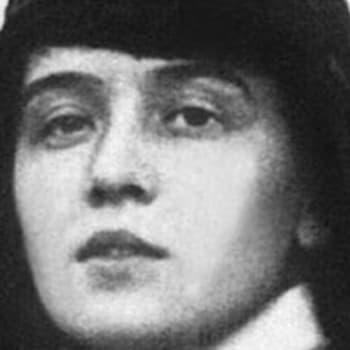 Alma och Nelly B, skandalförfattaren och flygföraren som blev pionjärer