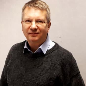 Mitä huolia euro on tuonut mukanaan, valtiovarainministeriön ja Suomen Pankin entinen osastopäällikkö Pentti Pikkarainen?