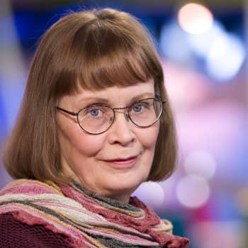 Kääntäjä Arja Pikkupeura kertoo Ljudmila Ulitskajan kirjasta Meidän tsaarimme väkeä