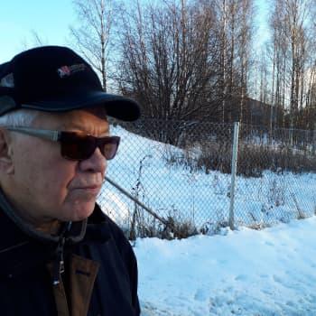 Kotkalainen Olavi Wecksten muistelee Hallan saaren teollisuusyhteisöä.