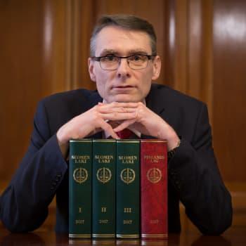 """Oikeuskansleri vanhustenhoidosta: """"Pyrkimystä lain noudattamiseen on, mutta konkretia puuttuu"""""""