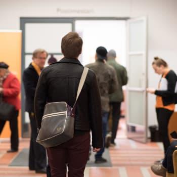 Ratkaiseeko lompakko äänestäjän päätöksen vai etsiikö äänestäjä kaltaistaan?