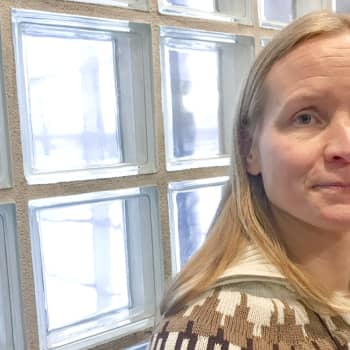 """Väitöstutkija Outi Kauko: """"Turvapaikanhakijalasten yksinäisyys on paikoin pohjatonta"""""""