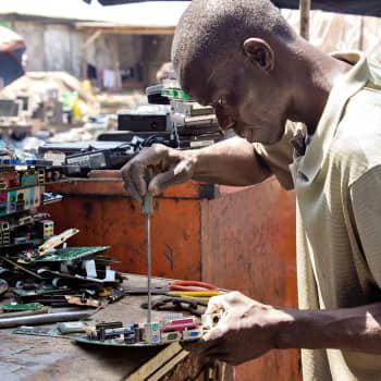 Suomestakin voi päätyä elektroniikkaromua Afrikkaan