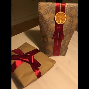 Ajatus on tärkein, lohduttaa lahjapaketoinnin ammattilainen, mutta muutama vinkki ei ole pahitteeksi
