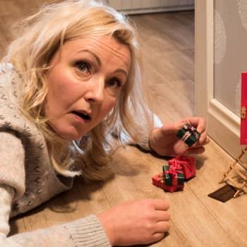 """""""Tänä jouluna me voitais ottaa vähän iisimmin"""" - Aikuisen naisen joulukalenteri nauraa lämmöllä jouluhulluudelle"""