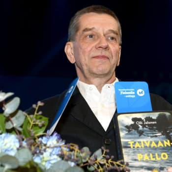 """Vieraina Finlandia-voittaja Olli Jalonen ja voittajan valitsija Seppo Puttonen - """"Taivaanpallo oli tarinana ylivertainen"""""""