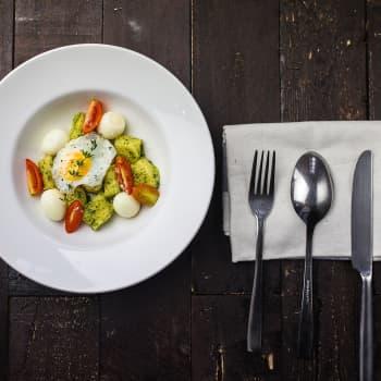 Ruokasi puhuu sinulle! Ateriat, ruoka-aineet ja ruokailuvälineet kertovat kaikki omaa sanomaansa