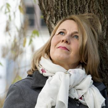 Mari Mörö kertoo romaanistaan Hajavalo