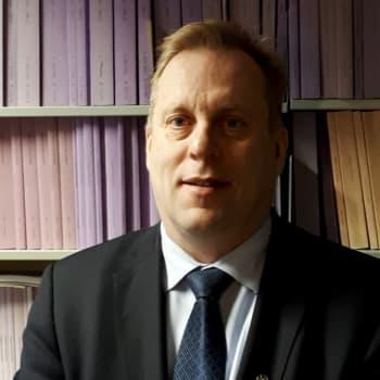 Miten käy EU:ssa oikeusvaltioperiaatteen noudattaminen, professori Juha Raitio.