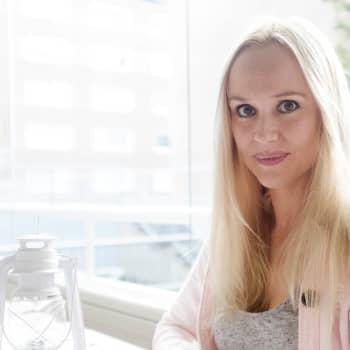 Sissi Enestam forskar i svarta hål / Trabantens historia