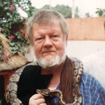 Kuusi kuvaa kirjailija Torsti Lehtisen elämästä