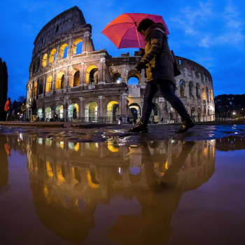 Italia nosti populistit hallitusvaltaan