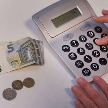 Kuinka pärjätä kun rahat ei tahdo riittää? Kaksi naista kertoo tarinansa