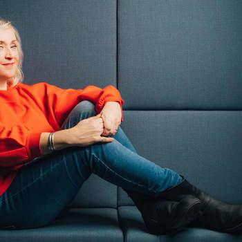 Radio Suomen Ilta: Marjatta Leppänen lupasi Olgalle soittaa Puhelinlangat laulaa -ohjelmaan