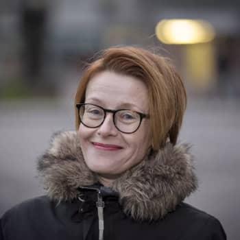 Ykkösaamun kolumni: Asta Leppä: Arvot muuttuvat, hyvästi perjantaipullo ja lauantaisauna