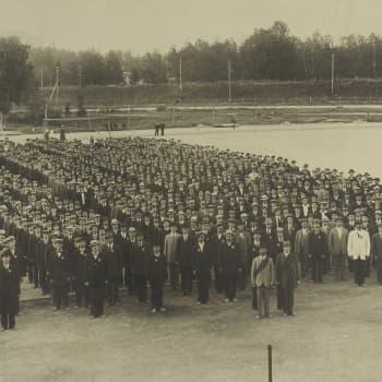 Sisällissota 1918 - punaiset muistot: Miliisistä punakaartiin (Aarne Nurminen, Helsinki)