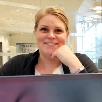 YLE Helsinki: 4 lasta, vakituinen työ ja maisteriopinnot - helsinkiläinen Meeri Kuikka on mestariaikatauluttaja